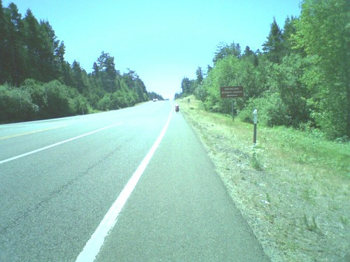 An image from a cameraphoneman on the road, yous!