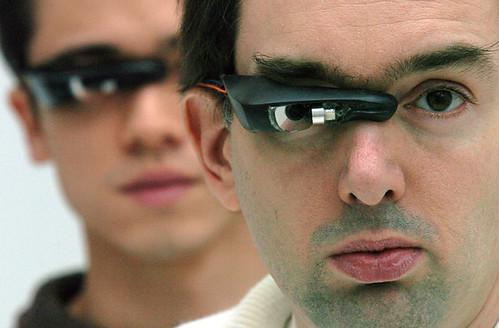 Imagen de un modelo moderno de EyeTap. Imagen: página personal Steve Mann