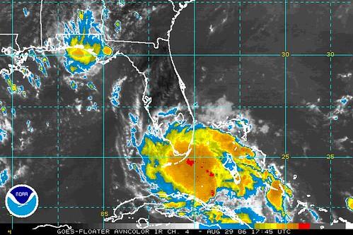 ouragan Ernesto