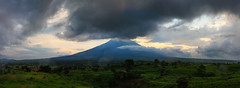 Agung Volcano photo by ryanihle