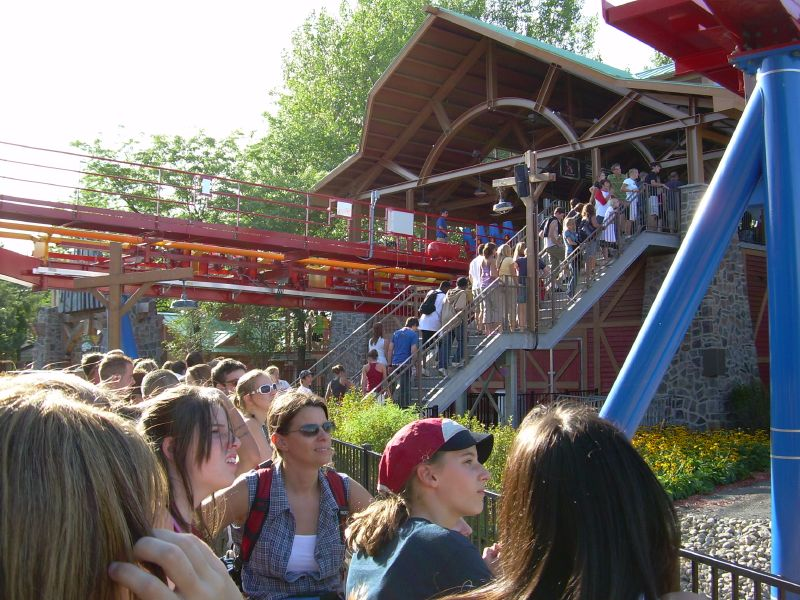 Photo TR : La Ronde or Six flags Montreal - Theme Park Review