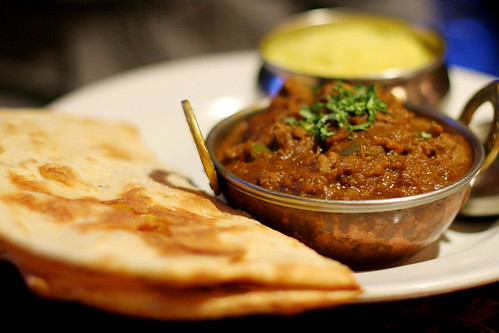 lamb curry (vindaloo), naan, rice