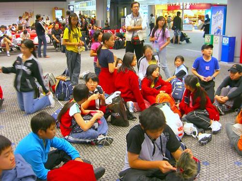 香港機場等待中-4