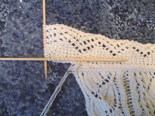 Hiawatha corner - picking up stitches along