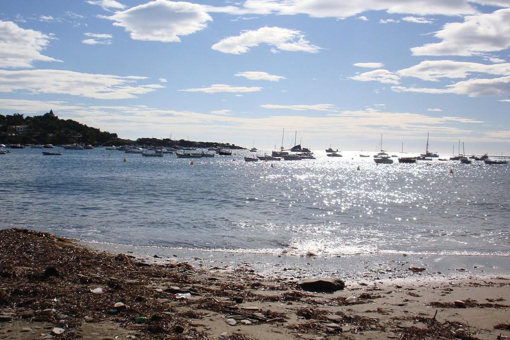 Aigua brillant a Cadaqués