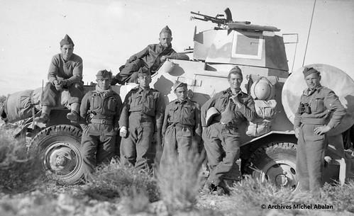 1943- Tunisie- 6 mars1943 - Oued Gragour - Groupe de spahis - Michel Abalan 3e de gaucheà droite- Famille Abalan