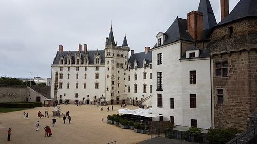 Cour du château des Ducs à Nantes.