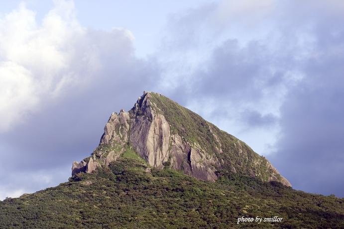 鴨子住的墾丁賓館面海露台外拍夏都、大尖山(Canon 70-300)