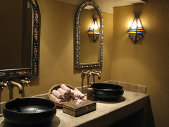 Rustic Luxury... that's what I call a nice bathroom!