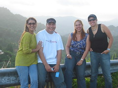 Gloria, Arturo, Flor y Karla