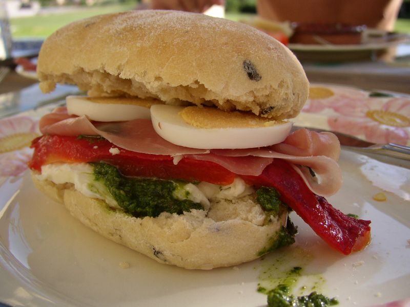 Slashfood's Sandwich Day: Spain-meets-Italy-Sandwich
