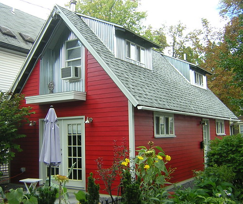 fixBuffalo: Small Red House