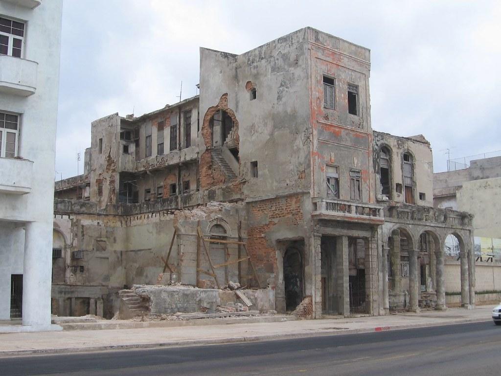 Havana In Ruins