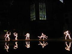 des danseurs dans les jardin de la cour d'appel de Riom