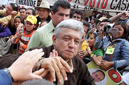 Mark in Mexico Mexico City AMLO greets his followers as he arrives in the Zócalo 8 Aug 2006