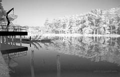 Perahu, Danau, dan Pepohonan