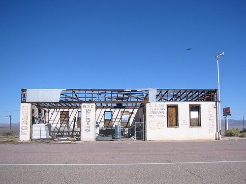 Dead Garage, Ludlow, CA