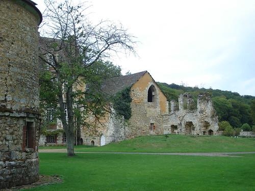 Abbaye de Mortemer BY 014