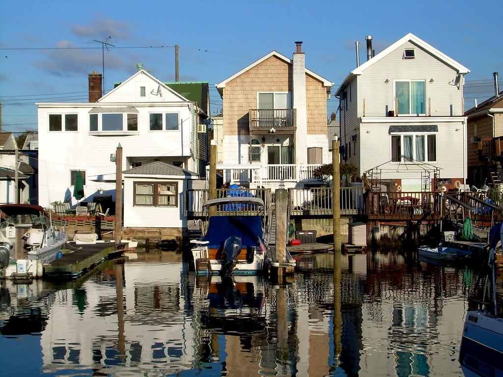 houses, gerritsen beach