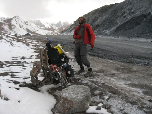 The absurdity of it all...4665m pass on a recumbent - Aqbaytal Pass, Tajikistan / ドアです(タジキスタン、ウクバイタル峠)