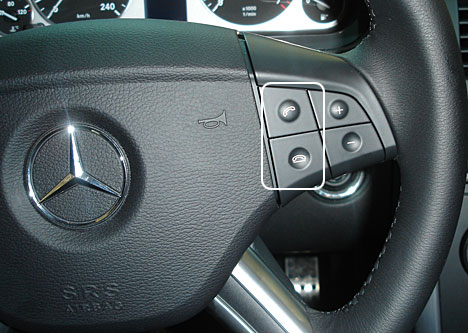 mercedes_wheel_with_phone_b