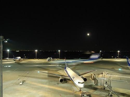 東京の夜(Tokyo night, Haneda airport terminal)