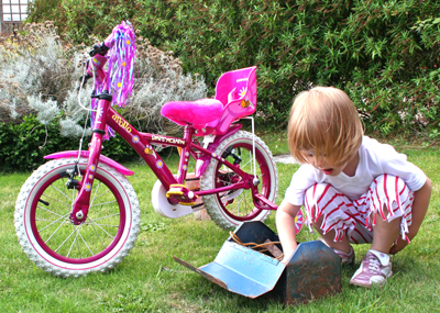 anja, bike, tools 1