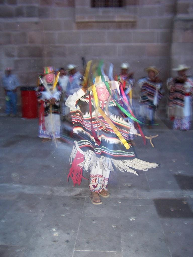 El Baile de los Viejitos