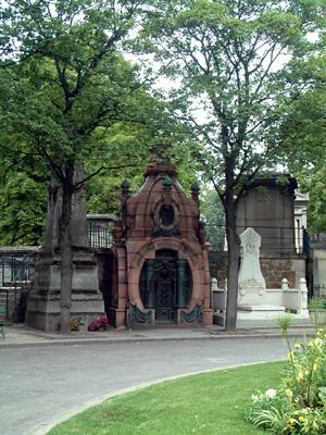景緻優美的蒙馬特墓園是攝影愛好者經常留連的地點