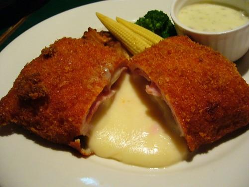 藍帶豬排(Pork Cordon Bleu)