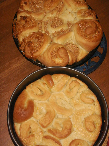 sweet rolls: two flavors