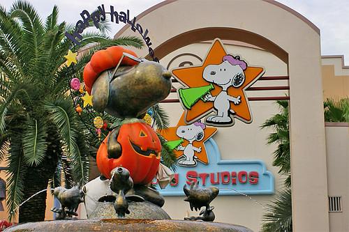 Snoopy Studios Halloween