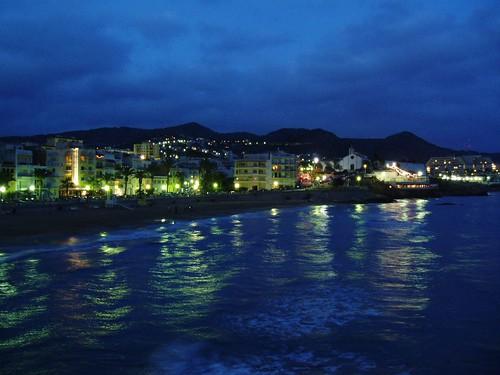 Sitges: Platja de Sant Sebastià, nit