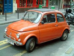 在街邊遇見可愛的Fiat 500車款