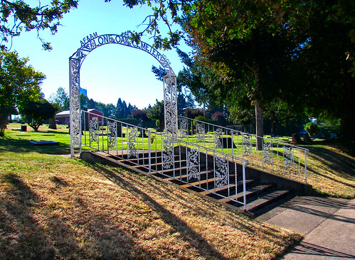 Entrance to Lone Oak Cemetery in Stayton Oregon