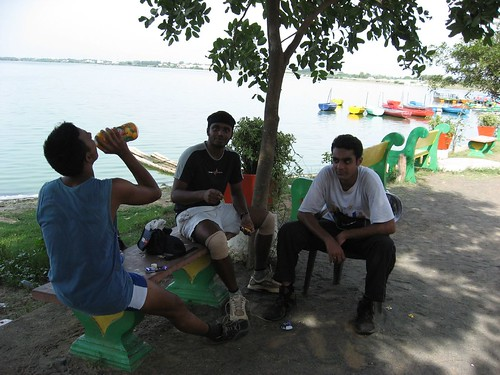 Ajendra, KK & Srinivas resting at Muttukkadu