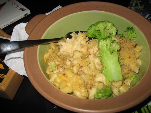 Four-Cheese Macaroni and broccoli