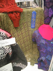 Leaf shawl in Silky Wool