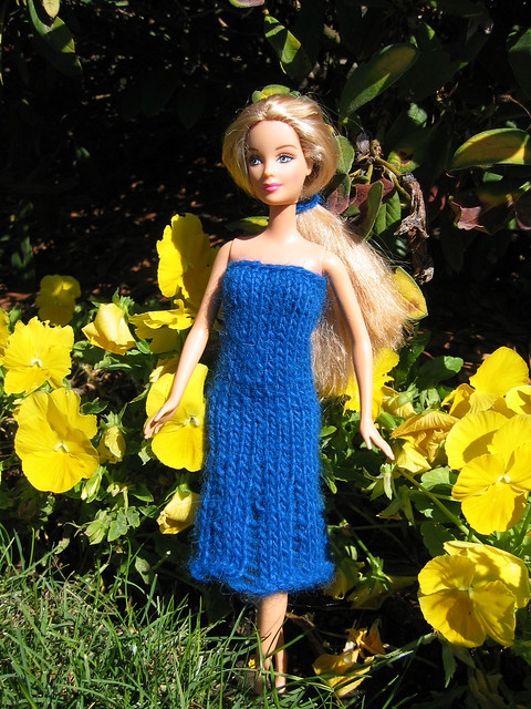 Free barbie, cabbage patch kid clothing patterns on the internet