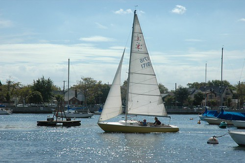 Pearson Ensign Topaz Sailing out of Sheepshead Bay.JPG. Sep 16, 2006 2:18 PM