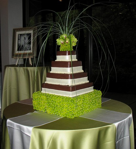 Jara Jeter Wedding Cake Oct 19 2006 847 AM