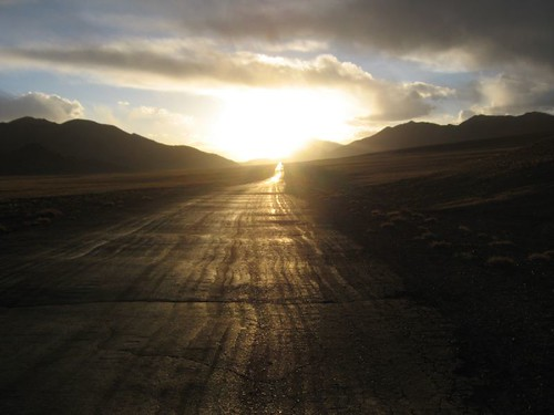 Boom! Nayzatash Pass (4120m), Tajikistan / ナイザタシュ峠(標高4120m)、タジキスタン
