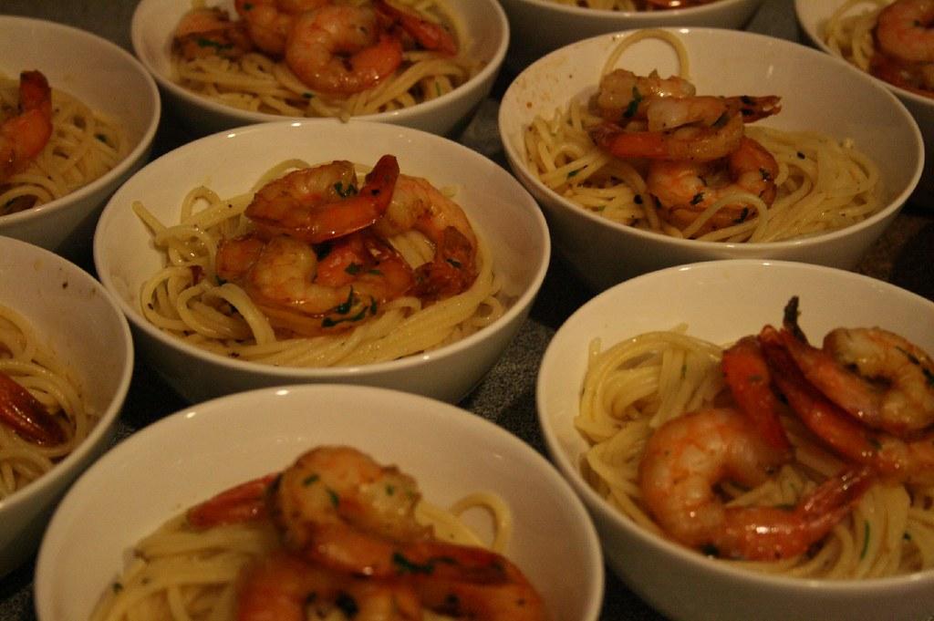 Spaghetti w/ Garlic Prawns