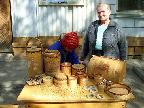 Местные рукодельницы \ Local craftswomen