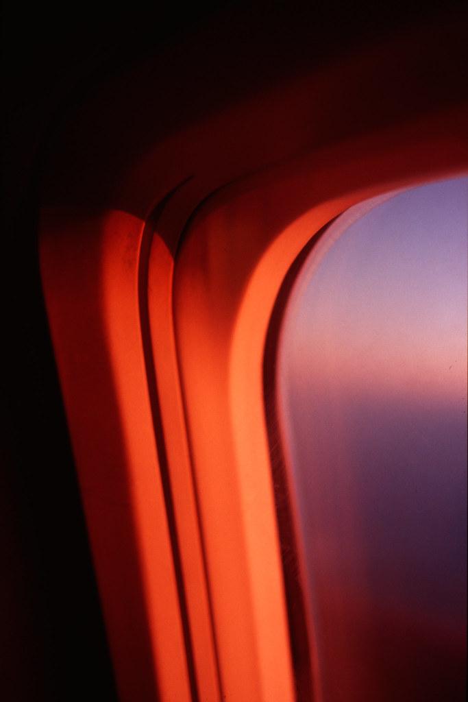 plane_windows.jpg
