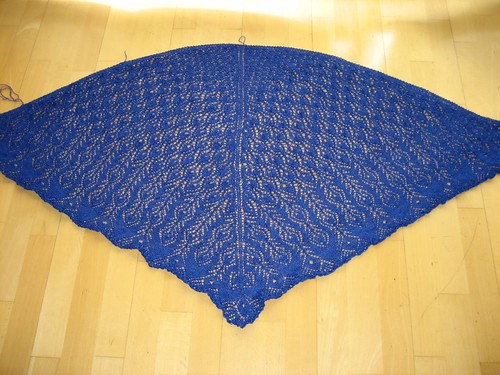 Peacock Feathers Shawl, finished!
