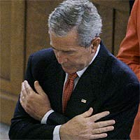 Bush y la hostia