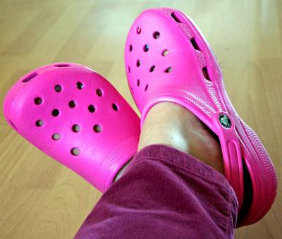crocs fuchsia