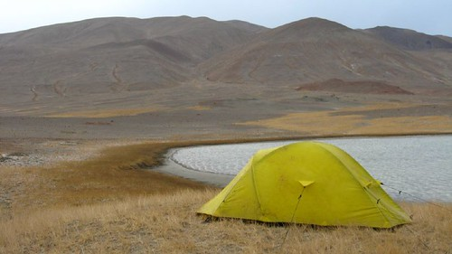 Campsite at 4100m, Pamir Highway, Tajikistan / 標高4100mの野宿(タジキスタン、パミール高原)