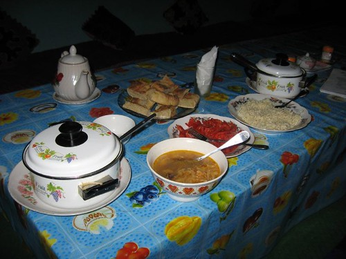 Evening meal at Murghab homestay, Murghab, Tajikistan / ムルガブ町でのホームステイの晩ご飯(タジキスタン、ムルガブ町)